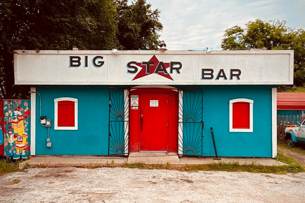 10 Of The Diviest Dive Bars In Houston